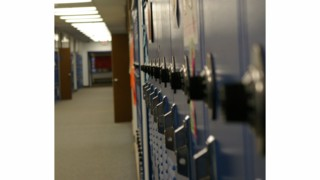 Ohio school district considers guns in schools