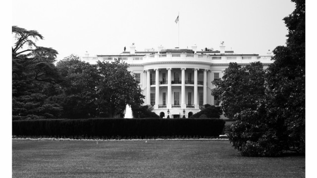Person arrested for attempting to scale White House fence