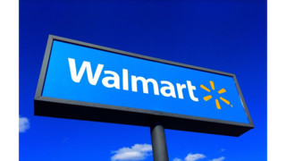 Man killed, officer hurt in shootout at Miss. Wal-Mart