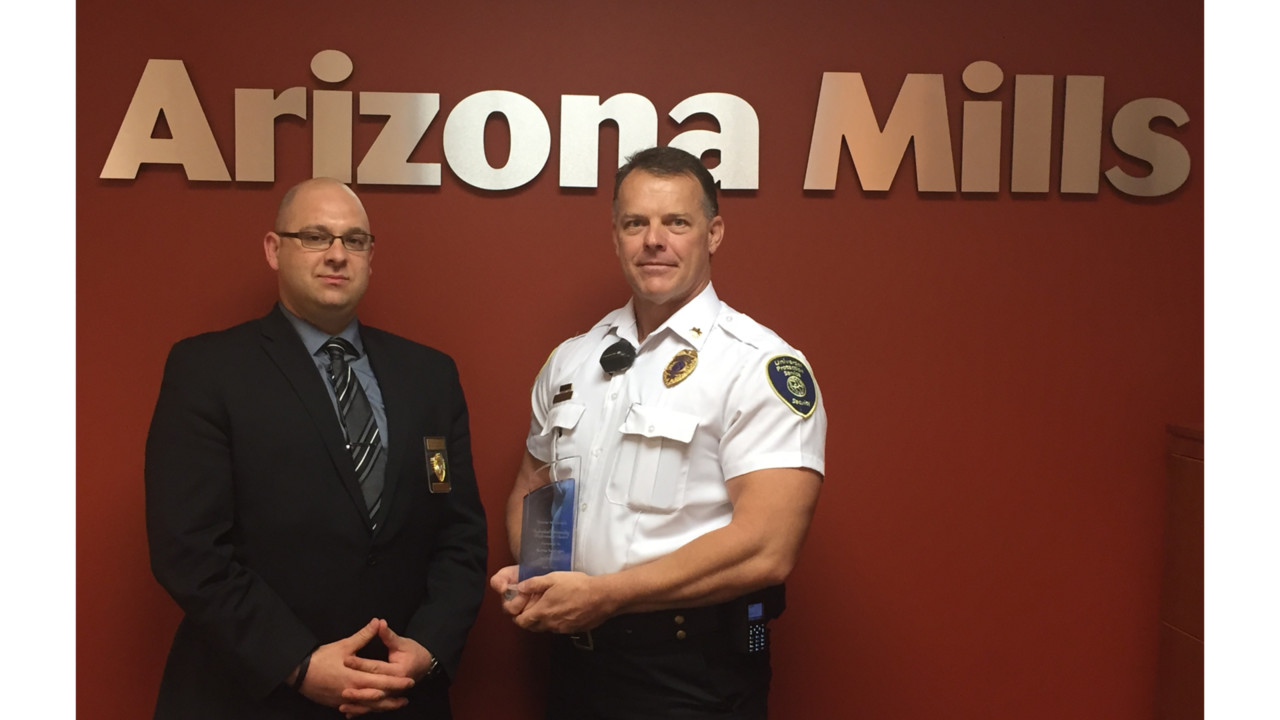 mall security officer honored for outstanding performance