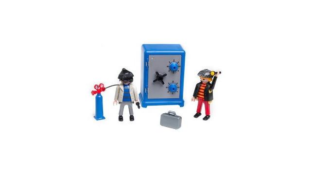 PlaymobilSafeCrackers.jpg_10475034.jpg