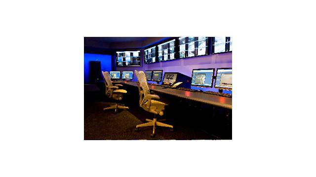 Q2-Control-Room-2-300dpi.jpg_10523414.jpg