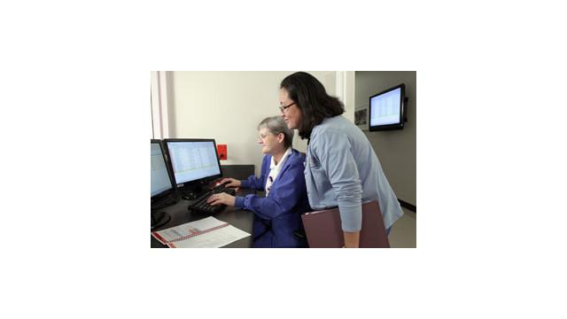 Nurses-with-Hugs-System-2.jpg_10523299.jpg