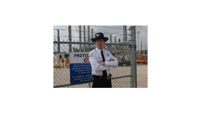 G4S-Guard-by-fence-edit-Lo-.jpg_10486689.jpg