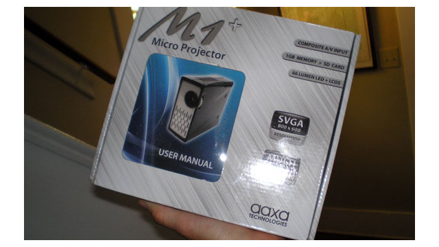 M1PlusAaxaMicroProjector.jpg_10474673.jpg