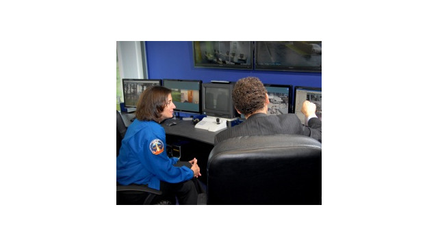 NASA-Astronaut-Visit-PR.jpg_10481388.jpg