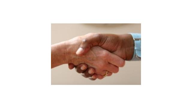 handshake.jpg_10482401.jpg