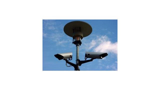 surveillancecamerasonpole.jpg_10481401.jpg