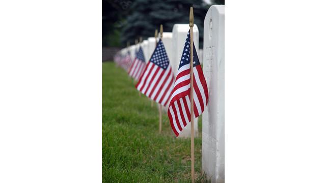 soldier-graves-sxc-linder6580.jpg