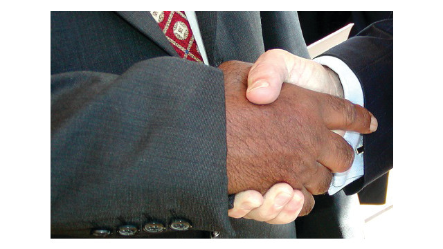 handshake2_10837240.psd