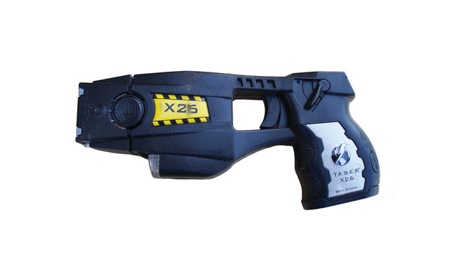 police-issue-x26-taser-white_10961566.psd