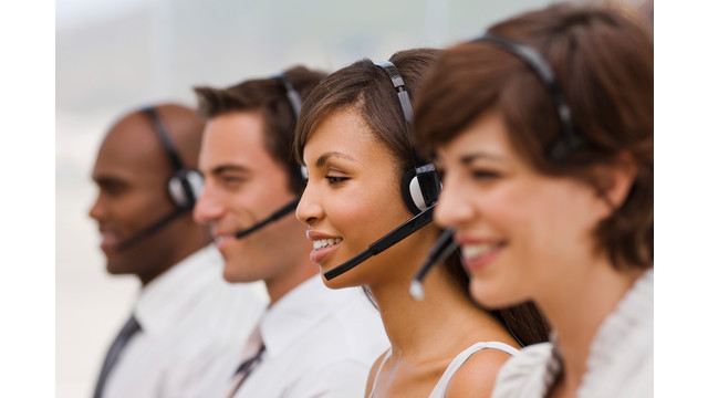 call-center-4-people_11296185.psd