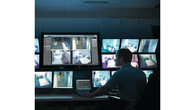 securitycenter-operator-cmyk30_11423425.psd