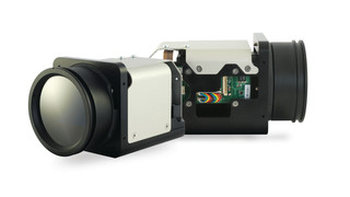 Vinden CZ 320 continuous zoom thermal chassis camera